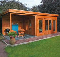 """The fundamental rule of garden buildings is """"you need a firm, level foundation no matter what you're doing"""". Without that foundation your building or shed Bungalow, Shed Design, Tiny House Design, Backyard Studio, Backyard Patio, Flat Roof Shed, Summer House Garden, Summer Houses Uk, Garden Cabins"""