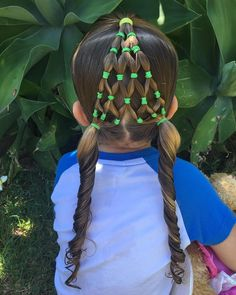 Christmas tree style easy toddler hairstyles, easy little girl hairstyles. Low Cut Hairstyles, Mixed Kids Hairstyles, Easy Toddler Hairstyles, Childrens Hairstyles, Easy Little Girl Hairstyles, Shaved Side Hairstyles, Cool Hairstyles, Christmas Tree Hair, Christmas Ornaments