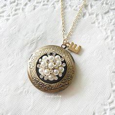 Rhinestone Locket Personalised Initial Locket Necklace Pearl Crystal Locket Necklace Bridesmaids Gift Antique Locket Vintage Wedding Jewelry
