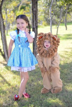 Halloween Sibling Costumes The Wizard of Oz. Honest review of purchased costumes and adorable kids