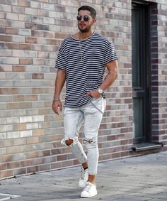 Casual Look For Men, Casual Looks, Casual Fall Outfits, Summer Outfits, Coachella Outfit Men, Beautiful Men Faces, Mens Fashion, Fashion Outfits, Dressed To Kill