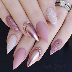 On average, the finger nails grow from 3 to millimeters per month. If it is difficult to change their growth rate, however, it is possible to cheat on their appearance and length through false nails. Are you one of those women… Continue Reading → Solid Color Nails, Nail Colors, Colours, Acrylic Nail Designs, Nail Art Designs, Paint Designs, Crome Nails, Rose Gold Nails, Sparkle Nails