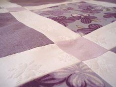 Lilac quilt  http://jadelmina.blogspot.fi/2011/03/syreenisymmetriaa-lila-tilkkupeitto.html