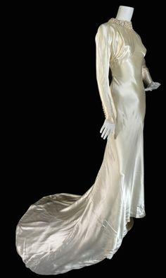 1930 39 s wedding gowns and dresses on pinterest 1930s for Slipper satin wedding dress
