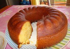 Μπαμπάς αλλιώτικος Greek Sweets, Greek Desserts, Sweet Pastries, Sweets Recipes, Cake Pops, I Foods, Doughnut, Deserts, Food And Drink
