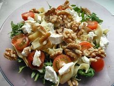 Pasta salad with brie and walnuts Veggie Recipes, Salad Recipes, Vegetarian Recipes, Cooking Recipes, Healthy Recipes, Diet Food To Lose Weight, Salade Healthy, I Love Food, Good Food