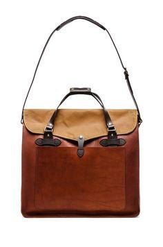 Filson Large Leather Tote en Cognac | REVOLVE