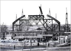 Construcción de la fachada de la estación de Atocha Foto Madrid, Spain Images, Vintage Photography, Old Pictures, Historical Photos, Valencia, Paris Skyline, Vintage Images, Louvre
