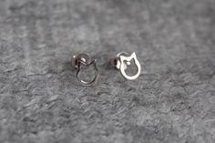 Katzenohrstecker Sterling Silber #catlover #kittylove #schmuck Cat Lovers, Kitty, Stud Earrings, Pets, Jewelry, Jewerly, Little Kitty, Jewlery, Bijoux