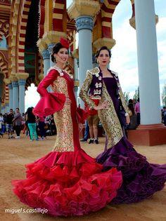 Feria de Córdoba Flamenco Costume, Dance Costumes, Spanish Culture, Spanish Fashion, People Of The World, World Cultures, Dot Dress, Boho, Lady