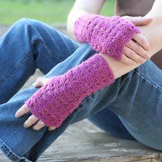 Ripple Lace Fingerless Gloves   (bethsco blog)