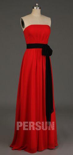 robe demoiselle d'honneur rouge longue bustier droit avec ceinture noire