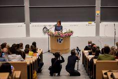 Foro Hispanico de Opiniones sobre la Realeza: La princesa Marie con los estudiantes internacionales de la Universidad del Sur de Dinamarca