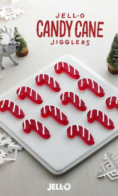 9 x Pan - You& only three ingredients away from these jolly JELL-O Candy Cane JIGGLERS. And one ingredient is water! Merry Christmas, Christmas Snacks, Christmas Goodies, Christmas Candy, Holiday Treats, Holiday Recipes, Christmas Recipes, Christmas Crafts, Christmas Stuff