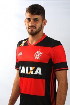 Números de Felipe Vizeu pelo @Flamengo: 19 Jogos - 13 como titular 7 Gols - 3 no Carioca e 4 no Brasileirão