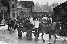 50 talet i sverige | De sista hästarna lämnar renhållningsstationen 1952. Rättigheter