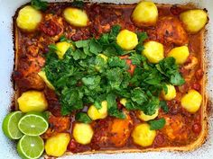 Baked Chicken with Agria Potatoes, Tomatoes and Fresh Herbs Fresh Coriander, Fresh Mint, Fresh Herbs, How To Cook Chicken, Baked Chicken, Cherry Tomatoes, Potato Recipes, Curry, Potatoes