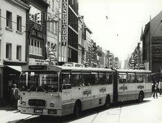 Die Stadtwerke Neuss haben in ihrem Archiv etliche historische Bilder von Bussen und Straßenbahnen gebunkert. Einige Motive zeigten sie auf Facebook. Sehen Sie im Folgenden einige Beispiele.