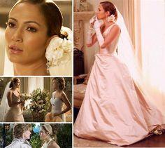 """En la vida real Jennifer Lopez lleva tres matrimonios fallidos, pero en el cine tiene varios casamientos de esos que son """"para siempre"""". Nosotros escogimos su vestido de novia de la película """"Monster-in-Law"""", del 2005. Aquí tienes ideas para el traje, ramo y peinado... y te incluimos a la suegra para que no olvides que también te casas con ella. Claro, que si es como Jane Fonda..."""