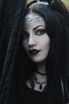 Model: Ella Amethyst Photo by Bigman Kal, edited by Kate Victoria Welcome to Gothic and Amazing |www.gothicandamazing.org