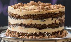 momofuku milk bar's pretzel crunch layer cake w/ dark beer soak, chocolate stout ganache & burnt honey frosting Beaux Desserts, Just Desserts, Delicious Desserts, Dessert Recipes, Yummy Food, Cake Recipes With Pictures, Momofuku Recipes, Milk Bar Cake, Momofuku Milk Bar