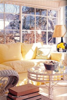 Sun room of Jack and Jacqueline Kennedy's Hyannis Port Home, 1959 Mark Shaw photo session Jaqueline Kennedy, Jacqueline Kennedy Onassis, Les Kennedy, John Kennedy, Hyannis Port, House Rooms, Living Rooms, Mellow Yellow, Decoration