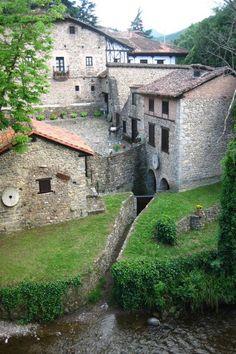 Casona típica en Potes - Camino Lebaniego - 2017 Año Jubilar Lebaniego #Cantabria #Spainde imágenes