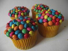 http://1.bp.blogspot.com/-Co9VZHCLhPU/TzfOyatQkCI/AAAAAAAAA7c/TRhwLczmeZk/s1600/cupcakes+carnaval.JPG
