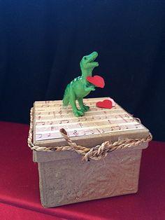 Dinosaur Valentines Gift Box, Valentines For Guys, Green Dinosaur With  Heart, Dinosaur Trinket
