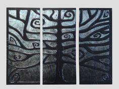 Sztukaterie: Tryptyk Czarnodrzew - 81x62cm  Płyty odlewane z gipsu ceramicznego, z charakterystycznymi rzeźbieniami, reliefami i wykończeniem, całość wykonana ręcznie, wykończenie satynowy połysk, waga 1 płyty około 6kg.  Możliwość zawieszenia lub wklejenia w ścianę, na styk bądź z zachowaniem odstępów