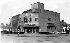 Cardiff's old cinemas, the glamorous stars and the end of a bygone era Das Kino Monico, Rhiwbina, im Jahr 1979 Old Pictures, Old Photos, Vintage Photos, Welsh, Uk History, Family History, Cardiff City, Star Wars, Cymru