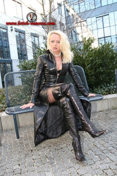 Prisoner Of Leather : Photo Crazy Outfits, Sexy Outfits, Sexy Dresses, Fall Outfits, Fashion Outfits, Long Leather Coat, High Leather Boots, Leather Mini Dress, Imper Pvc