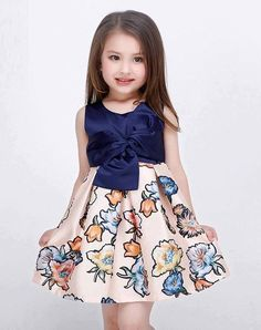 Bowknot front Solid Color Top Flower Print Dress for Kid Girls. Fashion Kids, Fashion Shoes, Dresses Kids Girl, Kids Outfits, Dress Anak, Baby Dress Design, Cute Little Girls, Kind Mode, Dress Patterns