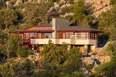 Hinshaw Residence by Michael Rust – Architect LLC http://www.homedezen.com/hinshaw-residence-in-arizona/