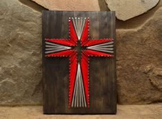 The Holy Cross - DIY String Craft Idea Up for something religiously gorgeous? Then use up few nails the unused wooden planks and sufficient strings. Help your kids crafts a beautiful red cross on the wooden base and hand it upon your room to glam it u String Art Diy, String Crafts, Vbs Crafts, Crafts For Kids, Arts And Crafts, Cross Art, Red Cross, Diy Y Manualidades, String Art Patterns