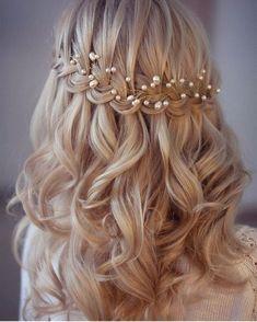 #mulpix Delicadeza e Detalhes para começar a sexta-feira. Penteado lindo via @blogamormaisamor. Direto pra pastinha de inspirações ❤ . ----------------------------------------------- . Por @lenabogucharskaya #casorio #casamento #inspired #instagood #instalike #instalove #instadaily #instabride #weddingtime #weddingtime #bride #bridetobe #bridetobride #noiva #penteado #hairstyle #borntobeabride #b2bb