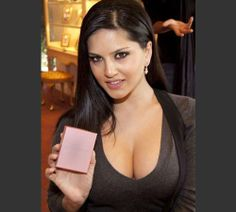 Sunny Leone showing cleavage