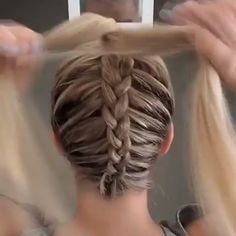 Dutch braid into messy bun - Haare - Cheveux Tressés Pretty Hairstyles, Girl Hairstyles, Braided Hairstyles, Wedding Hairstyles, Quick Hairstyles, Teenage Hairstyles, Lehenga Hairstyles, Cute Hairstyles For Summer, Back To School Hairstyles