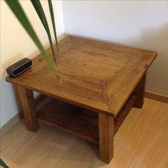 Tavolino da fumo fatto a mano realizzato interamente con legno riciclato ad incastro