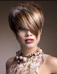 Short hairstyles for women with round shaped faces