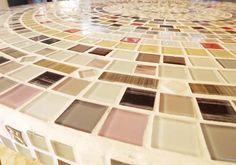 Renovação de Mesa com Mosaico de Pastilhas de Vidro