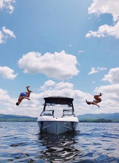🦋- these pics are not my own! Beach Aesthetic, Summer Aesthetic, Travel Aesthetic, Lake Pictures, Summer Pictures, Lake Photos, Summer Feeling, Summer Vibes, Summer Goals