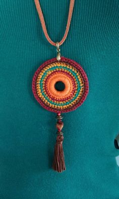 Crochet mandala necklace boho Ideas for 2019 Crochet Mandala, Crochet Motif, Crochet Stitches, Knit Crochet, Crochet Patterns, Love Crochet, Crochet Flowers, Crochet Ornaments, Crochet Collar