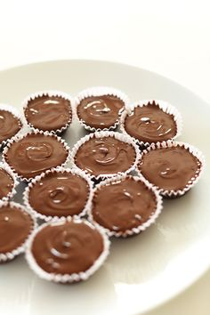 EASY BOURBON CARAMEL ALMOND BUTTER CUPS! Perfect for Valentine's Day!   minimalistbaker.com