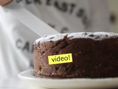 Esta receta de torta galesa es super fácil, y les juro que queda muy perfumada y muy deliciosa. Dicen que dura 1 año ¿Será verdad? Pan Dulce, Flan, Christmas Crafts, Rolls, Food And Drink, Gluten Free, Cupcakes, Pasta, Favorite Recipes