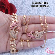 Kids Jewelry, India Jewelry, Hair Jewelry, Jewelry Sets, Diamond Necklace Set, Diamond Jewelry, Gold Jewelry, Jewelery, Stylish Jewelry