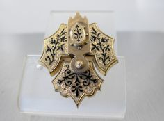Victorian Enamel Brooch Taille D'Epargne by TonettesTreasures