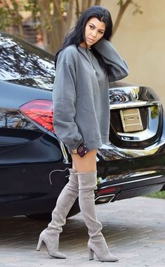 Gray Day from Kourtney Kardashian& Mommy Style Whats not to love about this all gray ensemble? Kourtney runs errands in a gray Yeezus sweatshirt paired with over-the-knee boots by Stuart Weitzman. Kourtney Kardashian, Kardashian Style, Kardashian Fashion, Kim Kardashian Yeezy, Fashion Models, Look Fashion, Autumn Fashion, Fashion Outfits, Womens Fashion