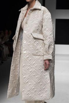 Laura Biagiotti Fall 2019 Fashion Show Details Winter Fashion Outfits, Fashion Show, Autumn Fashion, Fashion Design, Abaya Style, Laura Biagiotti, Abaya Fashion, Fashion Dresses, Iranian Women Fashion
