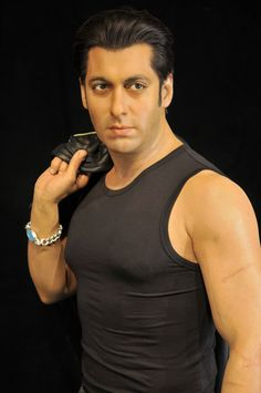 Salman in black sleeveless tee